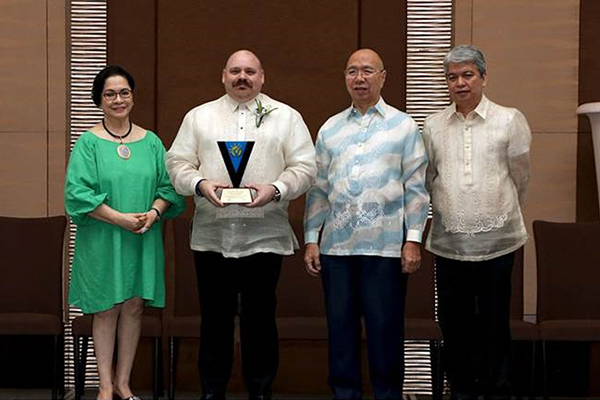 Teleperformance Philippines employee-volunteers awarded  for playing crucial role in development